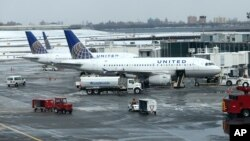 Untied Airlines dijo que asumía total responsabilidad por al muerte de un perro a bordo de uno de sus aviones ocurrida el lunes.