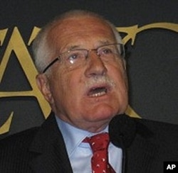 Czech President Vaclav Klaus speaking in Washington DC, October 2009