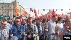 去年5月6日普京就職前夕莫斯科的大規模反政府示威。(美國之音白樺拍攝)