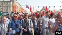 去年5月6日普京就职前夕莫斯科的大规模反政府示威。(美国之音白桦拍摄)