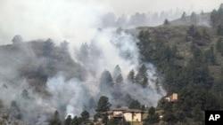 6月11日科羅拉多州北部的柯林斯堡附近的山火