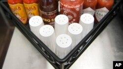 Trop de sel tue, du fait du lien entre l'excès de sodium et les maladies cardiovasculaires