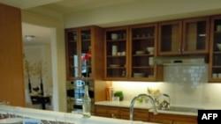 U specijalnim kućama za ranjene vojnike, koje je projektovao arhitekta Majkl Grejvs, kuhinjski pult može da se podiže i spušta, baš kao i šporet i sudopera.