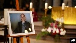 Fransiyada jihodchi tomonidan o'ldirilgan ruhoniy Jak Amel surati, 2-avgust, 2016-yil