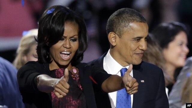 Tổng thống Obama và Ðệ nhất Phu nhân Michelle Obama mừng chiến thắng trong đêm bầu cử ở Chicago.