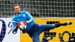 L'Allemand Manuel Neuer.