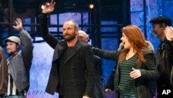 """Sting se despide en el último acto de la obra de Broadway """"The Last Ship""""."""