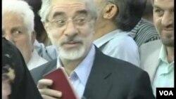 مناظره نامزدهای انتخابات ریاست جمهوری پیشین ایران در سال ۱۳۸۸ برای نخستین بار به طور زنده از تلویزیون پخش شد که جنجالهای زیادی را به دنبال داشت.