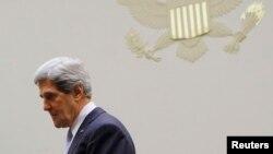Джон Керри перед выступлением в комитете Конгресса по иностранным делам. Капитолий, Вашингтон. 17 апреля 2013 года