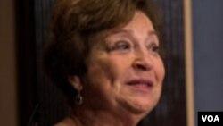 Andžela Stent, direktorka Centra za izučavanje Rusije, Istočne Evrope i evroazijskog regiona na Univerzitetu Džordžtaun