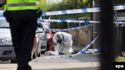 Photographie prise sur la scène du crime où la député pro-UE Jo Cox a été blessée fatalement à Birstall le 16 juin 2016.