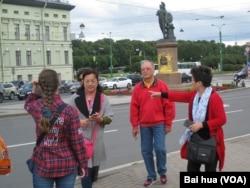 夏季在聖彼得堡的中國遊客。(美國之音白樺攝)