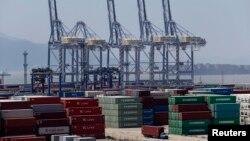 Các số liệu của chính phủ cho thấy xuất khẩu giảm 3,1% so với năm 2012.