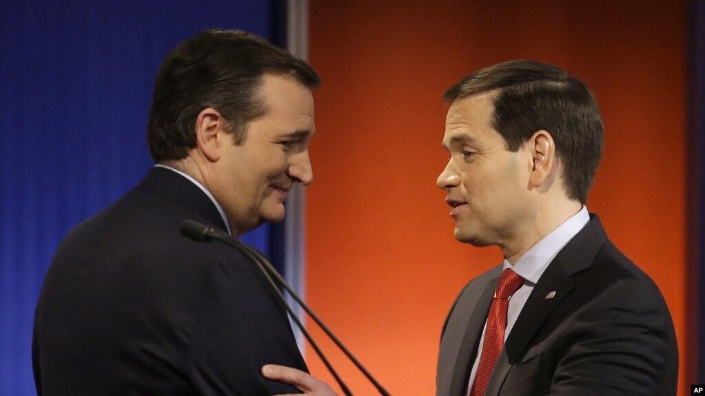 美國共和黨參議員克魯茲和魯比奧在共和黨初選辯論後交談(2016年1月28日)。 他們名列要求川普當局製定全面戰略來對抗中共影響力的信函聯署人