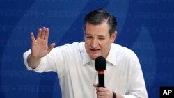 ຜູ້ລົງແຂ່ງຂັນເອົາຕຳແໜ່ງປະທານາທິບໍດີ ຈາກພັກຣີພັບ ບລີກັນ ສະມາຊິສະພາສູງລັດ Texas ທ່ານ Ted Cruz, ກ່າວໃນລະຫວ່າງການໂຄສະນາຫາສຽງໃນເມືອງ Syracuse, ລັດ ນິວຢອກ. 15 ເມສາ, 2016.