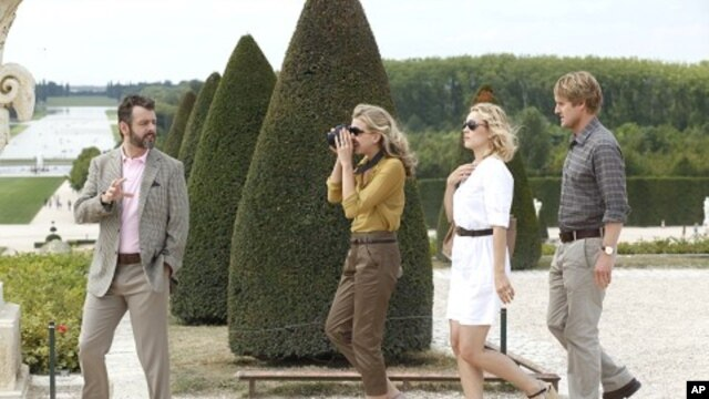 Left to Right: Michael Sheen as Paul, Nina Arianda as Carol, Rachel McAdams as Inez and Owen Wilson as Gil