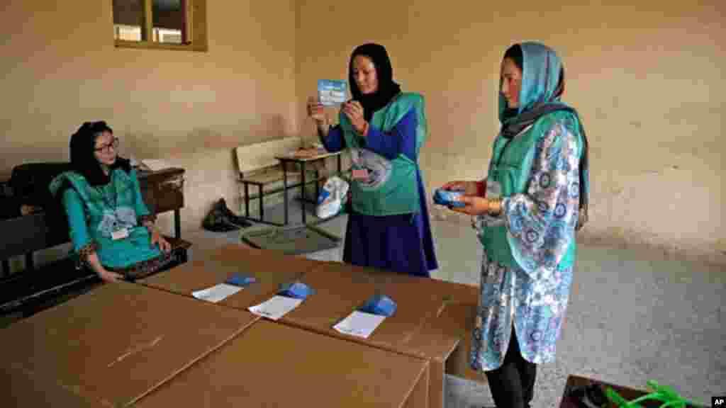 انتخابات ریاست جمهوری سال ۲۰۱۴ یکی از جنجالیترین انتخابات در تاریخ افغانستان بود