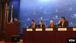 何志平在美國傳統基金會舉辦的座談會上講話。(2015年12月9日)