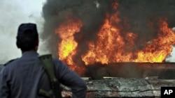 انفجار در زیارتگاهی درکراچی 4 کشته و دهها نفر زخمی برجا گذاشت