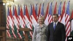 美国国务卿克林顿和匈牙利总理欧尔班周四在布达佩斯
