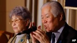 일본인 납북자 요코다 메구미 씨의 아버지 시게루 씨와 어머니 사키에 씨가 지난 3월 도쿄의 외신기자협회에서 기자회견을 열었다. (자료사진)