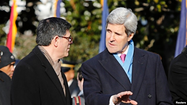 Treasury Secretary Jack Lew (L) and Secretary of State John Kerry will determine who in South Sudan will be subject to U.S. asset freezes and visa bans.