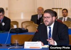 Gustavo Marcano, alcalde de Lechería, estado Anzoátegui, Venezuela, inhabilitado por el gobierno del presidente Nicolás Maduro, declara ante expertos de la OEA.