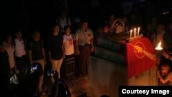 သမဂၢျမက္ခင္းျပင္ေပၚက ေဆာက္လုပ္ေရး ဗကသ ဆႏၵျပကန္႔ကြက္ (All Burma Federation of Student Unions - Photo credit-Phyo Dana)