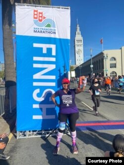 Ake Pangestuti di acara lomba lari yang ia dedikasikan untuk bulan Alzheimer sedunia 2021 (dok: Ake Pangestuti)