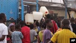 Cerca de 2.500 personas fueron infectadas por el virus del ébola en África occidental, y más de 1.350 fallecieron.