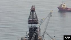 Hiqet moratoriumi për shpim-kërkimin e naftës në Gjirin e Meksikës