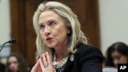 La secretaria de Estado, Hillary Clinton Rodham expresó que Estados Unidos enfrenta grandes desafíos en el Medio Oriente.