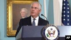 Menteri Luar Negeri Amerika Rex Tillerson memberikan pernyataan soal Korea Utara di Washington DC hari Selasa (15/8).