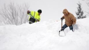 امریکہ میں سردی کی لہر، نیویارک میں برفانی طوفان