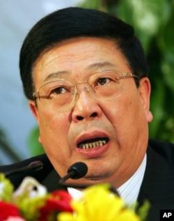 中国民政部长李立国。图为他在2007年担任民政部副部长的时候在人大会议上讲话