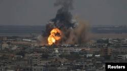 حمله هوایی اسرائیل بعد از حمله راکتی ظهر جمعه از نوار غزه به اراضی اسرائیل صورت گرفت.