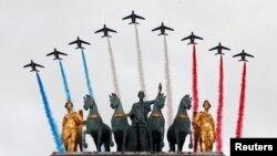 ျပင္သစ္အမ်ိဳးသားေန႔ Bastille Day ကိုက်င္းပေနစဥ္