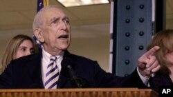 Frank Lautenberg, Senat AS tertua meninggal dunia karena komplikasi penyakit pneumonia hari Senin (3/6).