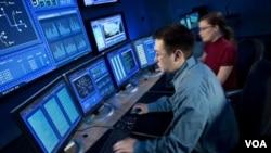 Los sistemas informáticos son fundamentales para la industria financiera y red de energía eléctrica.