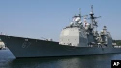 미국 해군의 이지스함정이 일본 요코스카 항에 정박해 있다. (자료사진)