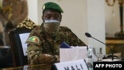 Kanali Assimi Goita, kiongozi wa baraza la kijeshi Mali akihudhuria mkutano wa ECOWAS