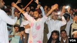 د یوت اف وزیرستان، یا د وزیرستان ځوانان، نومې تحریک په مېرعلي کې د هدفي وژنو خلاف احتجاجونه کړې دي