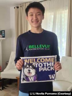 David sewaktu terima surat diterima masuk kuliah di University of Washington.