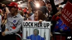 Durante la campaña, Trump prometió que designaría un fiscal especial que acusara criminalmente a Clinton y juró que la metería a la cárcel.