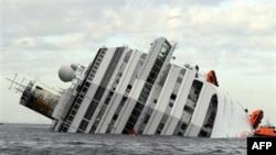 На месте крушения круизного лайнера «Коста Конкордия»