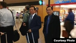 Mr. Kem Sokha, vice president of the Cambodia National Rescue Party and Yim Sovann, spokesperson of CNRP in Washington state, on their way to San Francisco, California, Thursday, April 10, 2014. (Courtesy of Kem Sokha)
