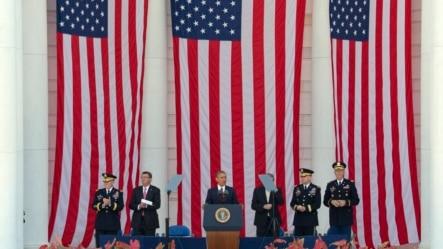 美国总统奥巴马在纪念阵亡将士的仪式上发表讲话(2015年5月25日)