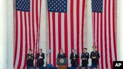 美国阵亡将士纪念日 奥巴马敬献花圈