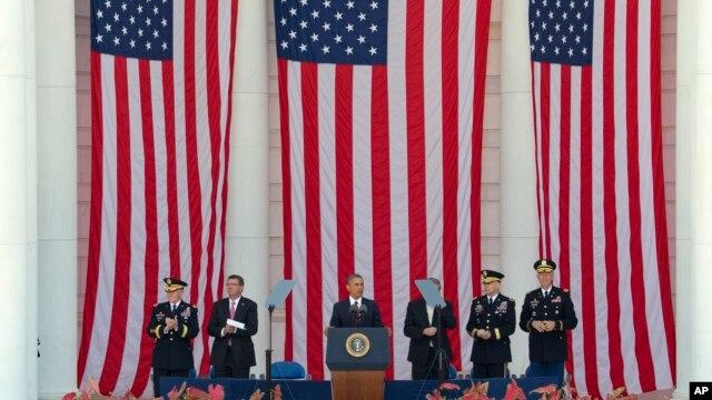 Tổng thống Obama phát biểu tại Nghĩa trang Quốc gia Arlington, ngày 25/5/2015.