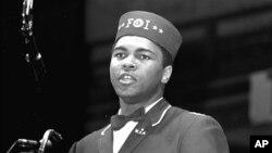 Muhammad Ali berbicara di konvensi Muslim kulit hitam di Chicago, AS, 25 Februari 1968.